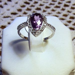 10k white gold Amethyst/White Topaz ring size 7