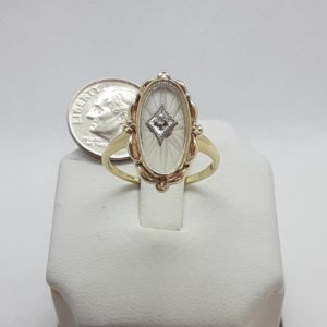 10k Vintage yellow gold Camphor Glass and Diamond Ring Size 8