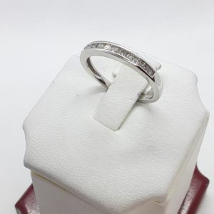 10k White Gold Ladies Diamond Channel Set Wedding Band Size 7