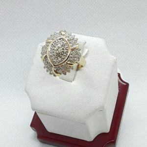 14k Vintage yellow gold Diamond Cluster Ring Size 6