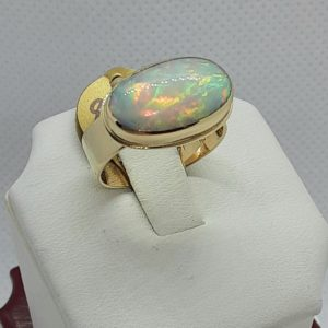 14k Yellow Gold 3.75 ct. Ethiopian Opal Ring Size 7