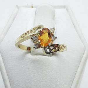14k Yellow Gold Citrine and Diamond Ring Size 6